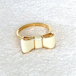 """Kate Spade """"Take a Bow"""" Ring in White/Gold"""